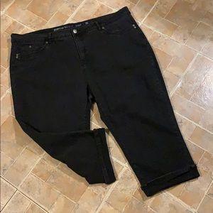 Avenue Capri jeans size women's plus size 26